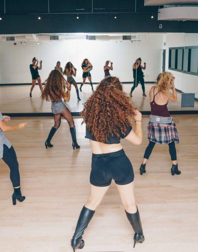 dance-class-in-studio.jpg